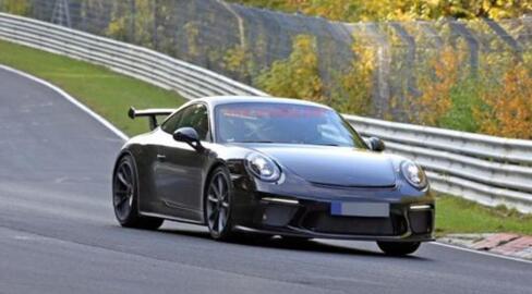 有国外媒体报道称,保时捷新款911 gt3将会在2017年3月开幕的日内瓦